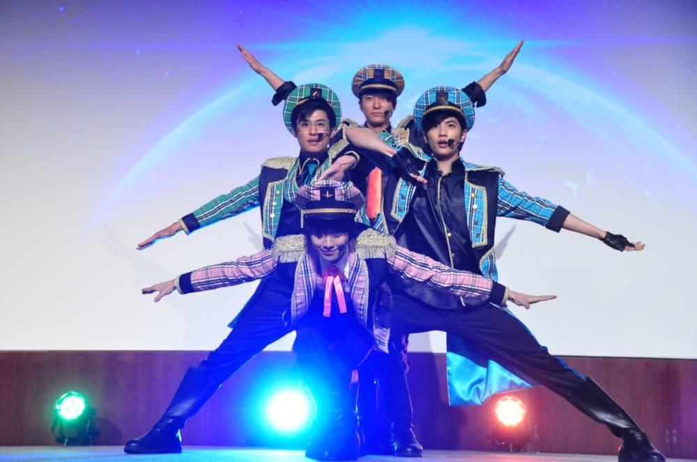 志尊淳、小越勇輝らがアイドルを目指す!? 歌って踊る劇場版『ドルメンX』ファン感謝デーレポート