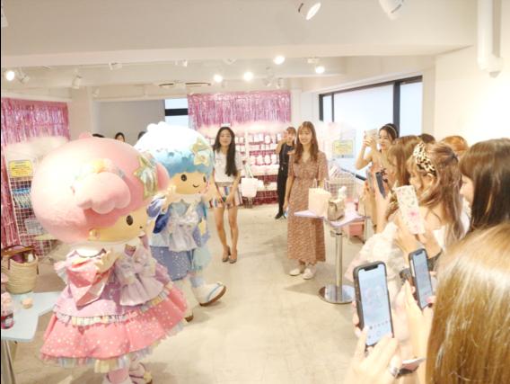 ゆめかわいい 「キキ&ララ」の七夕を体験型アートで再現!フォトジェニック・アート展が開催
