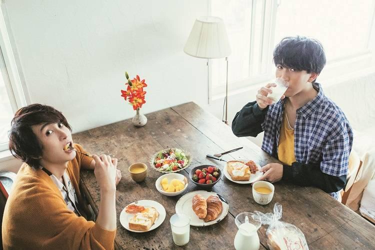 UMake(伊東健人&中島ヨシキ)がルームシェアをしたら…!?「TVガイドVOICE STARS vol.10」6月28日発売