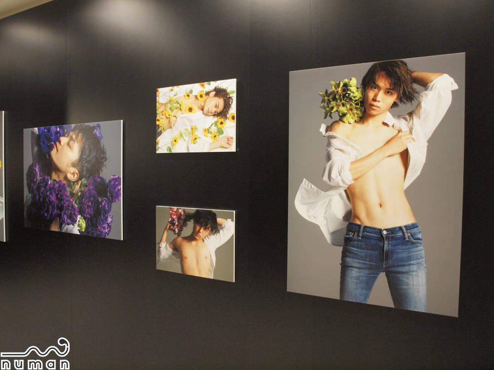 美しくエロティック…!梅原裕一郎、増田俊樹ら12人の写真展『SUPER VOICE STARS』レポート
