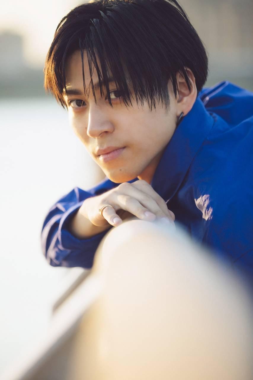 井澤勇貴、待望のファースト写真集発売決定!ナチュラルな表情からセクシーなカットまで