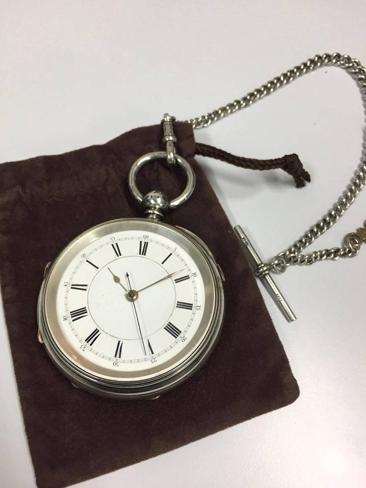『仮面ライダーゼロワン』名探偵ヒューマギア・ワズの懐中時計は「シャーロック・ホームズ」第一作と同い年!