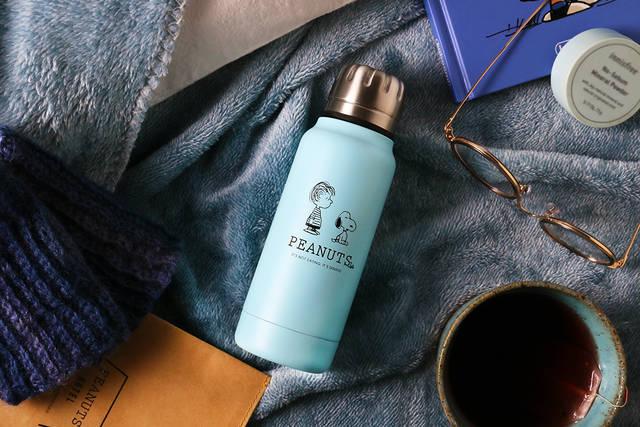 スヌーピー&ライナスのアート入り♪ 『PEANUTS Cafe × thermo mug』に新色登場♪