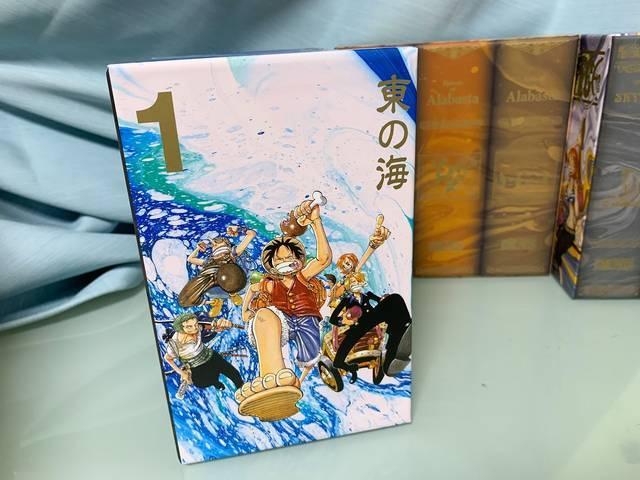 """まさかの""""初版""""に感動…!『ONE PIECE』コミックスBOXセットが豪華でまさにお宝だった"""