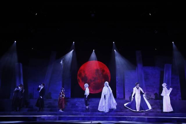 舞台『文豪ストレイドッグス DEAD APPLE』開幕!鳥越裕貴、橋本祥平、植田圭輔、村田充らが熱演