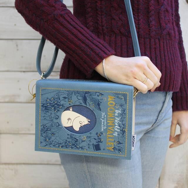 『ムーミン』おしゃれなブックバッグ登場! 使いやすいサイズ感とユニークなデザインが魅力的