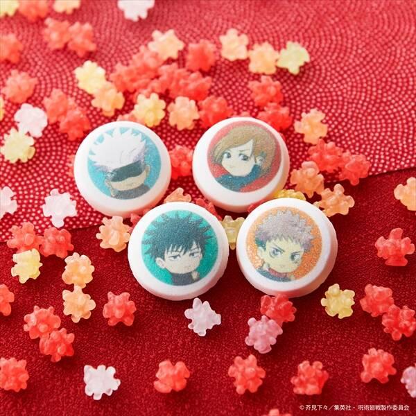 『呪術廻戦』和風菓子が登場! デフォルメイラストが可愛い京ラムネ、もなかなど♪