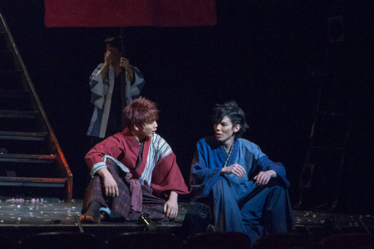 駆けはや舞台画像 登と甚五郎