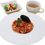 アスカトーレ 990円 ※サラダ、スープ付き