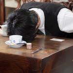 鈴木拡樹ドラマ『カフカの東京絶望日記』第2話 写真4