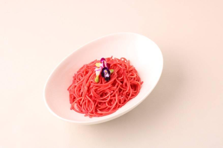 ヨナの暁の色のスパゲティ