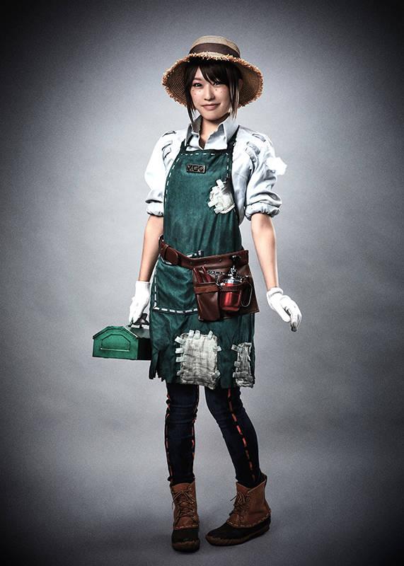 庭師(エマ・ウッズ):藤白レイミ