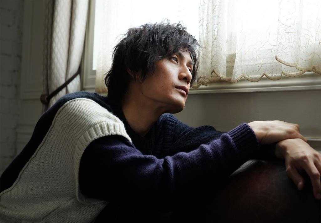加藤和樹、第3弾配信シングルは名曲『片想い』カバー1