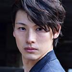 井尾谷諒 役:田内季宇