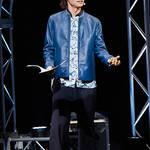 江口拓也が探偵らしいスーツ姿で登場! 新感覚朗読劇『デッドロックド・ディティクティヴズ』レポート到着! 安元洋貴、八代拓、榎木淳弥も出演