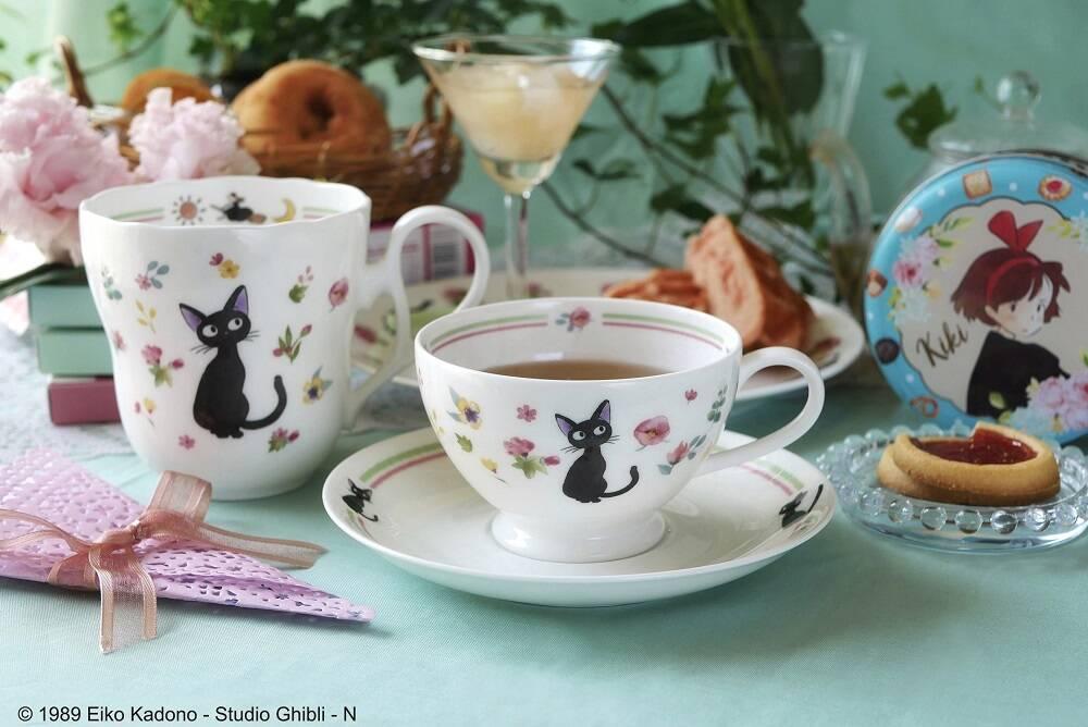『魔女の宅急便』ノリタケ製の食器が登場♪ さわやかな初夏のティータイムにぴったりなデザイン