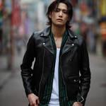 今最も注目の俳優・水江建太、1st写真集本日発売のお知らせ3