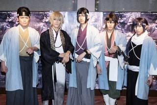 2012年に上演されて以来、多くの観客を魅了してきたミュージカル『薄桜鬼』。11作目となる本作では新生ミュージカル『薄桜鬼 志譚』と改め、新たな演出家、新たなキャストを迎えスタートを切りました。本公演は新神戸オリエンタル劇場で開催された神戸公演のほか、東京・明治座での特別公演も開催。今回は、新キャストとなる和田雅成さん(土方歳三役)、中河内雅貴さん(風間千景役)、山﨑晶吾さん(沖田総司役)、続投となる納谷健さん(斎藤一役)、井俣太良さん(近藤勇役)が登壇した明治座での囲み取材の様子をお届けします。