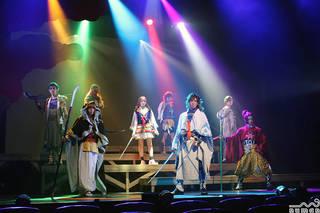 『遙かなる時空の中で』舞台化シリーズ10周年記念作品。有川将臣役の井上正大さん、源九郎義経役の早乙女友貴さんらが殺陣と芝居を熱演。10年前の舞台『遙かなる時空の中で』舞一夜にも出演している中村誠治郎さんが平知盛役で特別出演することも話題となりました。