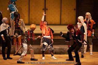 6月14日(金)品川プリンスホテル ステラボールにて、舞台『刀剣乱舞』慈伝 日日の葉よ散るらむ(じでん ひびのはよちるらん)が開幕しました! 荒牧慶彦さん、和田雅成さん、健人さん、前山剛久さん、加藤 将さん、川上将大さんといった19振りのキャストが、刀剣男士として出演中です。会見コメントに引き続き、本作のゲネプロ写真レポートをお届けします!